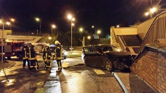 Pašiepė bandymą pažaboti nepatyrusius vairuotojus: tai tas pats, kas atimti iš policininkų automatus