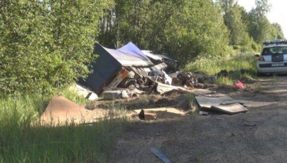 Полиция выяснила, почему в Латвии в грузовике повесился литовец