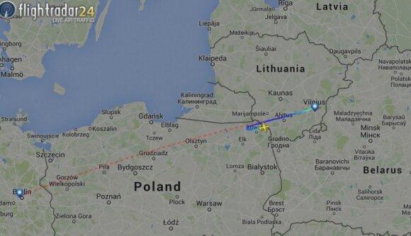 Skrydžio trajektorija, flightradar24.com info