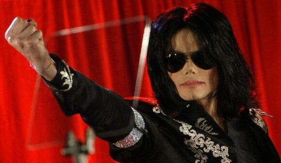 Idealios nosies kultas arba kodėl jos nepavyko turėti M. Jacksonui