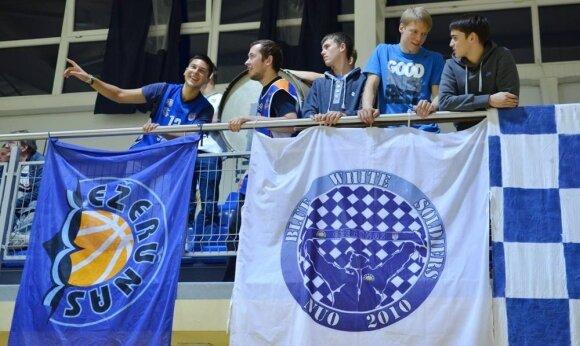 "Molėtų ""TiuMeno-Ežerūno"" klubo fanai (ezerunas.lt nuotr.)"