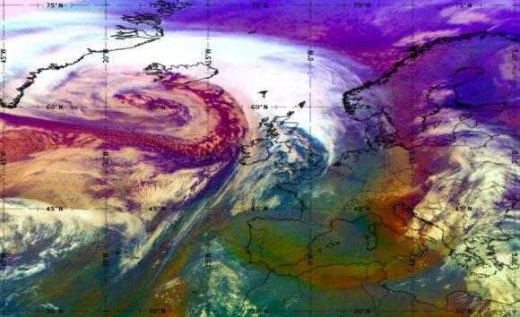 """Dennis"" ciklonas (EUMETSAT, MSG SEVIRI oro masės produktas)"