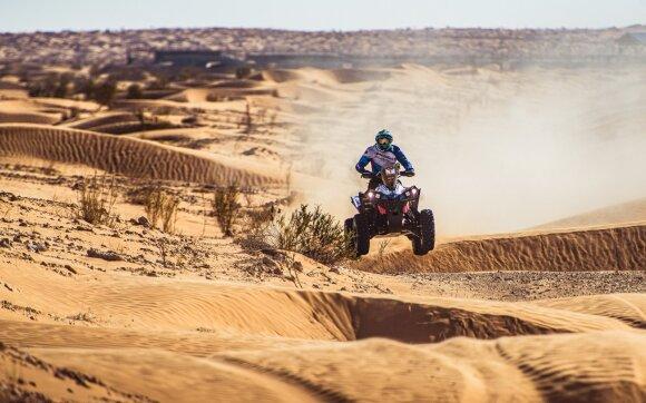 Trečioji diena: trūkę diržai ir Dakaro ralį primenantis reljefas