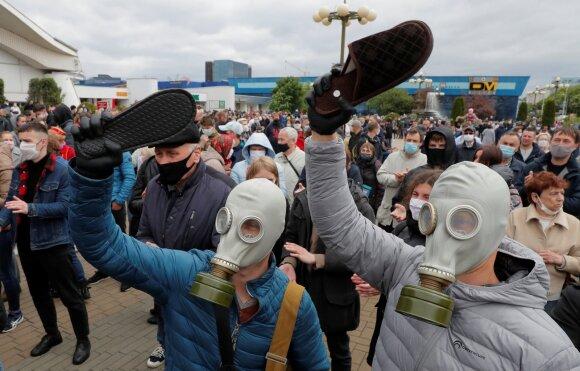 """Ekspertai: ką reiškia Lukašenkos """"mes jiems šalies neatiduosim"""""""