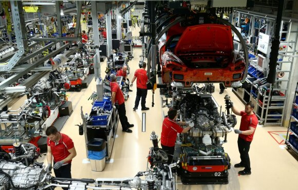 Automobilių gamintojams – vieni blogiausių metų: naikina 80 tūkstančių darbo vietų