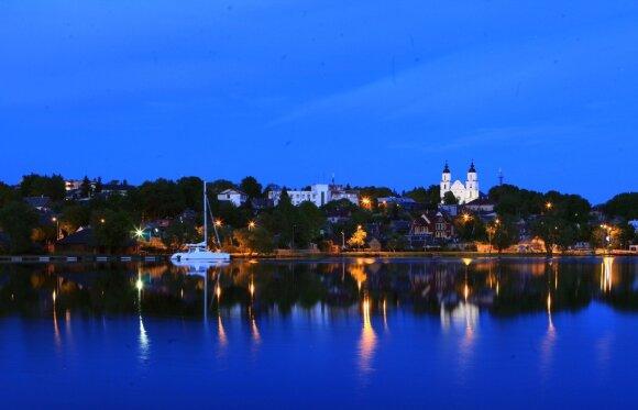 Naujos pramogos Lietuvoje – nuo paplūdimiais vežančių traukinių iki ekstremalaus čiuožimo ant vandens
