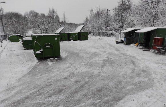 Didelių gabaritų atliekų surinkimo aikštelės pandemijos laikotarpiu: darbuotojai ir klientai susiduria su iššūkiais