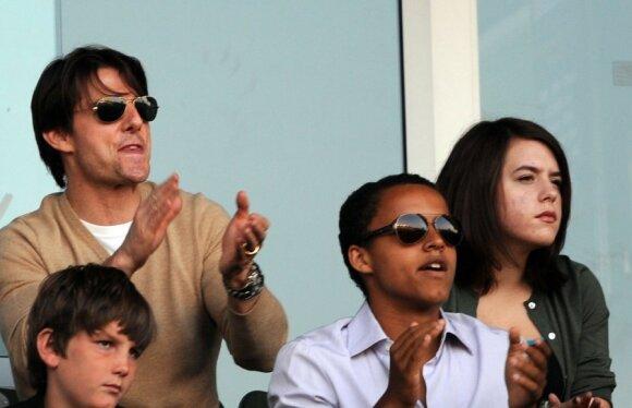 Tom Cruise su įvaikiais Connoru ir Isabella