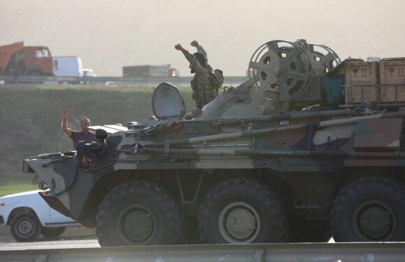 Azerbaidžane skelbiama karo padėtis