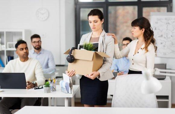 Atleidimas iš darbo: kodėl vadovų konsultantė rekomenduoja į pokalbį vestis liudininką
