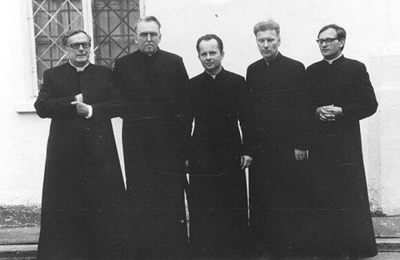 Vincentas Vėlavičius, Alfonsas Svarinskas, Sigitas Tamkevičius, Juozas Zdebskis, Jonas Kauneckas