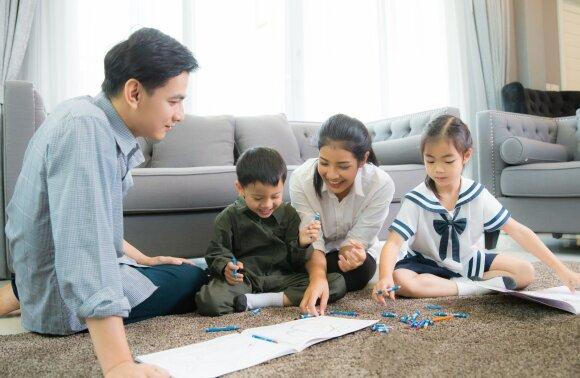 Kai kuriose Japonijos įmonėse darbuotojoms leidžiama ištekėti ir susilaukti palikuonių atsižvelgiant į užimamų pareigų hierarchiją