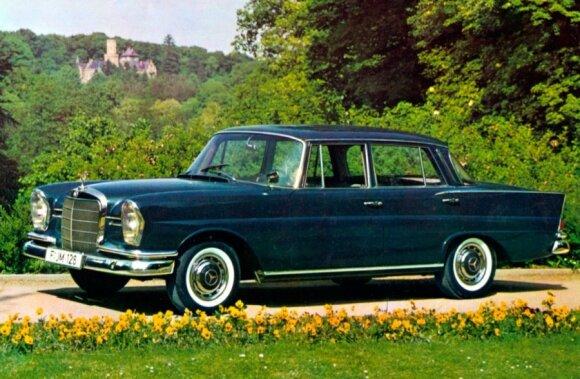 Mercedes-Benz 220 (1959 m.)