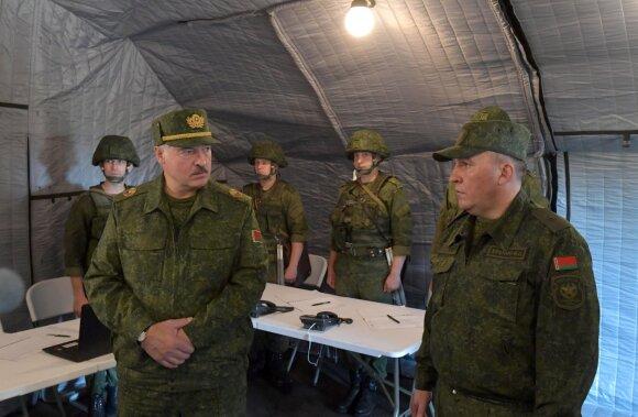 Parėmęs Lukašenką Kremlius jau žvangina ginklais: kokie yra tikrieji tikslai?