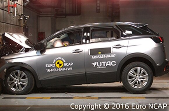 """Peugeot 3008"" avarijos testas"