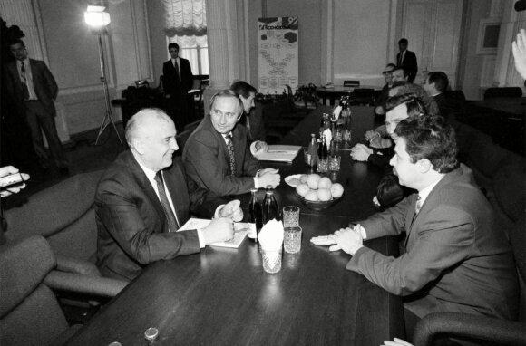 Vladimiras Putinas, Michailas Gorbačiovas