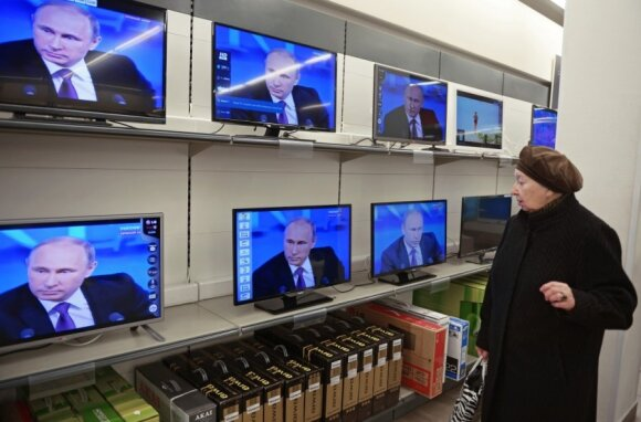 Christopher Walker: Democratic media weakening while Kremlin perfects its propaganda