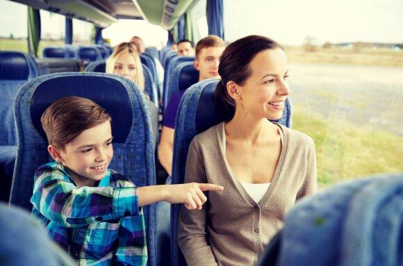 Mama ir vaikas autobuse