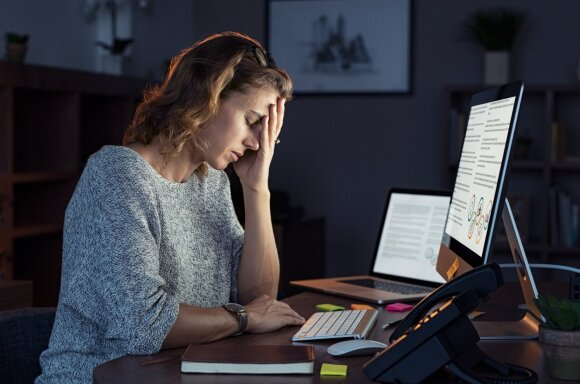 Mobingas darbe: kaip atpažinti, kokios to pasekmės ir kur kreiptis pagalbos
