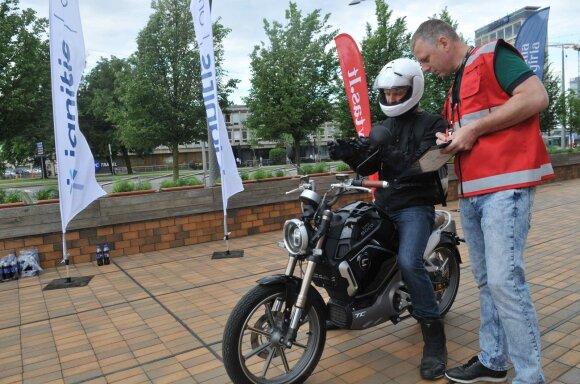 Vilniuje startavo šeštosios elektromobilių varžybos