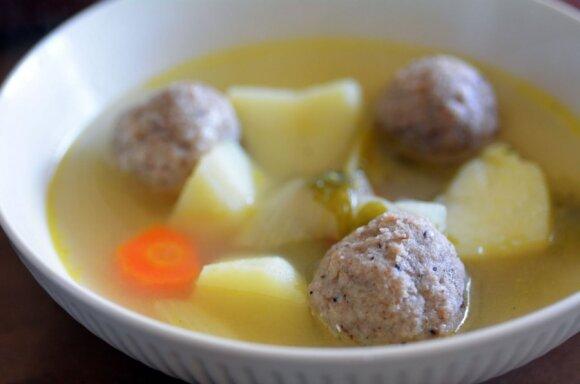 3 sriubos su mėsa patiems mažiausiems