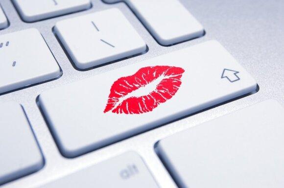 9 moterų patarimai, kaip mėgautis nuotoliniu seksu