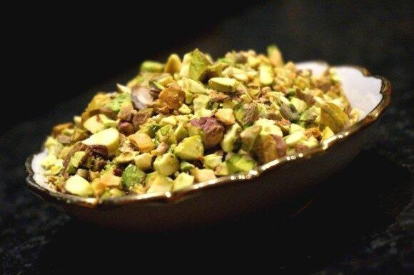Šokoladinis keksas su apelsinų žievelėmis ir pistacijomis