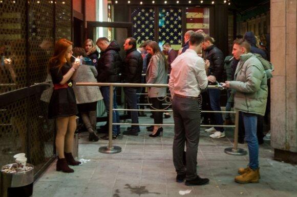 Įsigaliojus naujiems alkoholio ribojimams barai turi žinių: palies beveik visus lankytojus