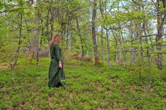 Liudmila Monkevičė - miško maudynių gidė (nuotr. Lars Verket)