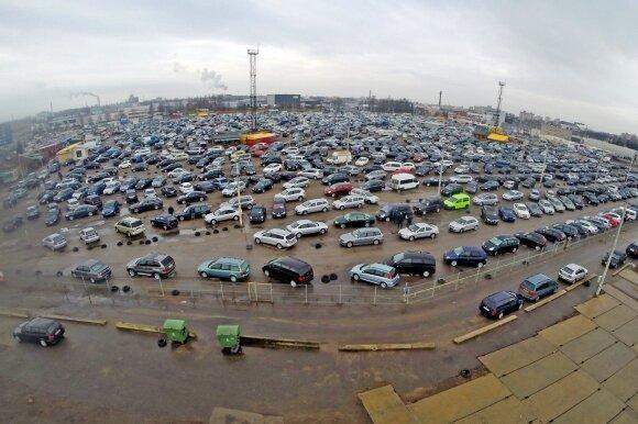 Automobilių turgus (asociatyvi nuotr.)