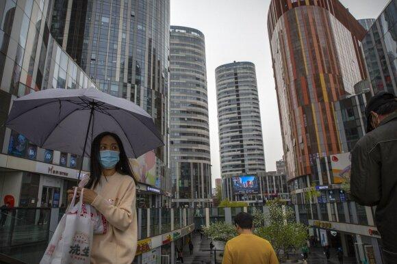 Dėl kinų virusologo ištartos frazės nerimo signalai nuaidėjo per visą pasaulį