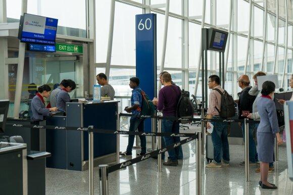 Kokių dalykų nebeliks oro uostuose ir lėktuvuose po koronaviruso epidemijos