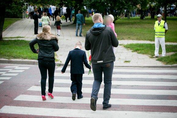 Rugpjūtis – pasiruošimo mokyklai mėnuo: šiemet tėveliams teks išleisti daugiau, bet yra viena gudrybė