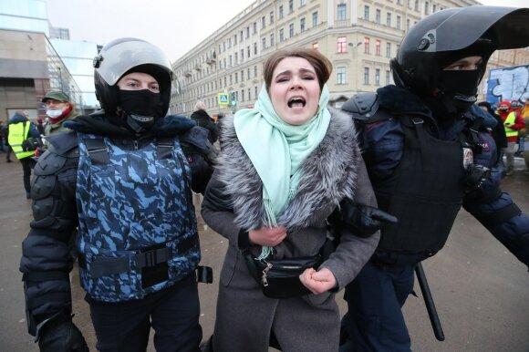 Protestai skirti palaikyto Aleksejų Navalną vyskta įvairiuose Rusijos miestuose