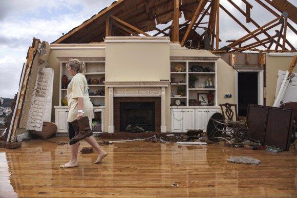 JAV pietuose smarkios audros ir tornadai