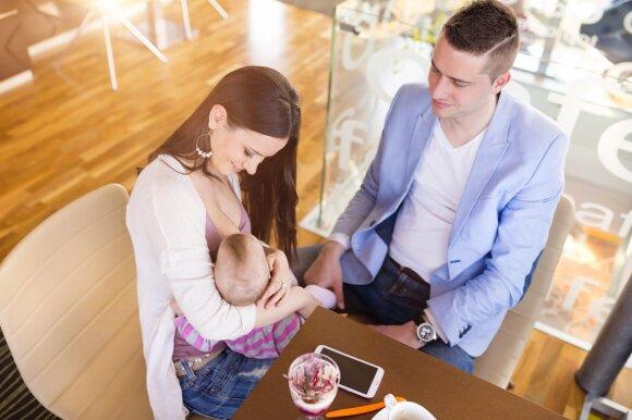 Žindymo konsultantė: maitinimas mišiniais yra eksperimentas su vaikais