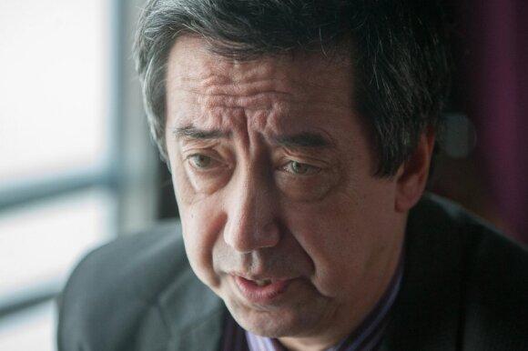 Politologas Bobo Lo: kinai nori supervalstybės privalumų, bet nenori srėbti š...