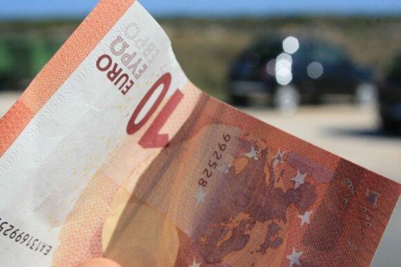 Bankomatai kitąmet išduos kitokias grynųjų sumas