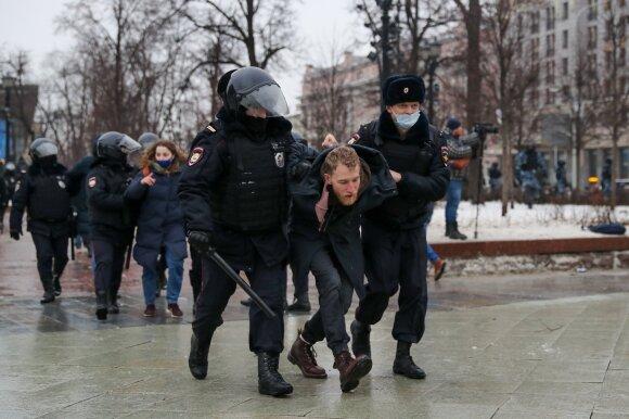 Protestai Rusijoje kitokie, nei iki šiol buvę: įžvelgia net keletą esminių skirtumų