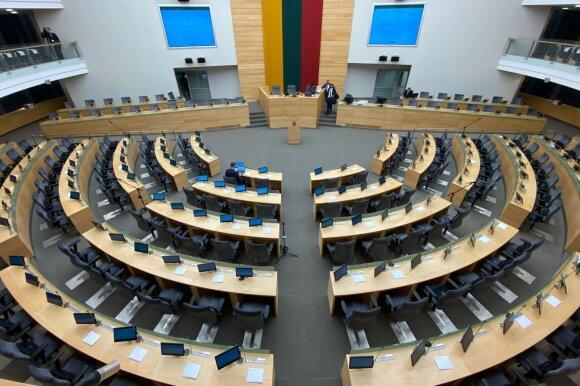 Veryga įvertino idėją Seimo nariams balsuoti su skafandrais: nėra galimybės užtikrinti saugumo