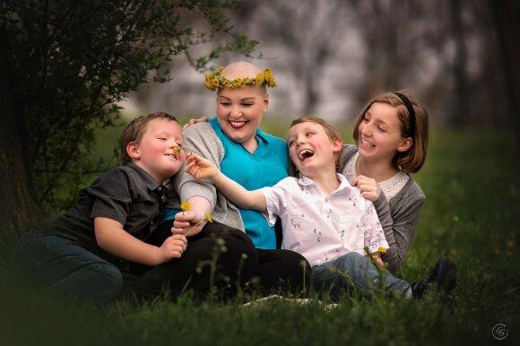 Giedrės Gomes darbai - Melanie su vaikais