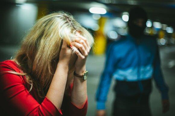 Prekyba žmonėmis: keičiasi prekiautojų žmonėmis tikslai ir metodai