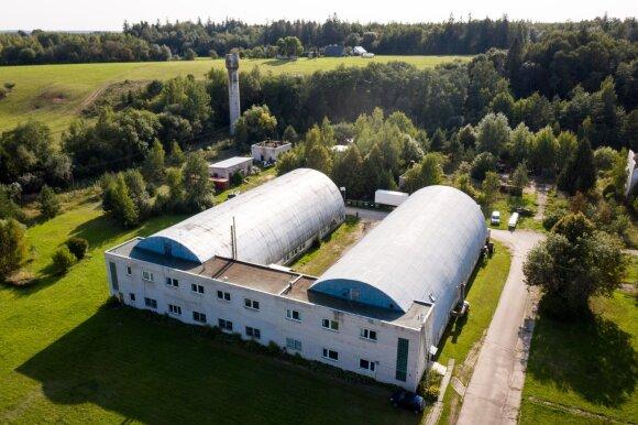 Vienintelė Baltijos šalyse sklandytuvų gamykla – nežinioje: nėra kam dirbti, užsakymų sumažėjo iki 4 kartų