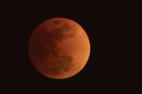 Kruvinas Mėnulis