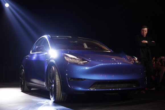 """Tesla"" pristatė dar vieną modelį – šįkart ""Model Y"""