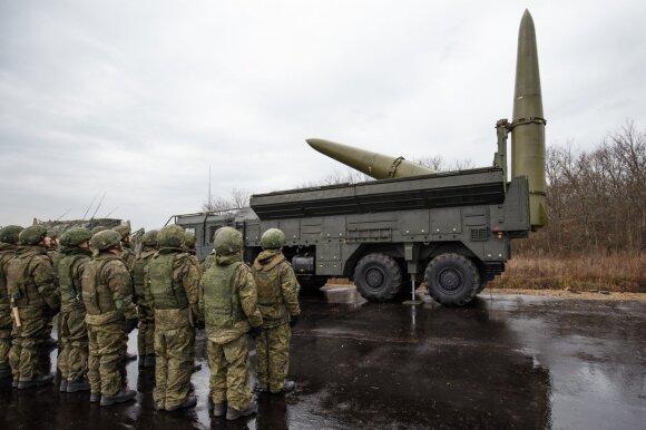Kremliaus pyktį dėl NATO pratybų keičia pašaipos: kariai ištrypė žemę ir paliko išmatų krūvas