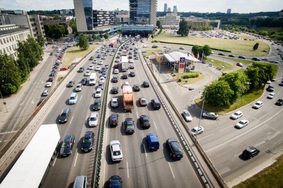 Aiškėja, kaip atrodys nauji mokesčiai už automobilius: 20 eurų gali būti tik pradinė riba