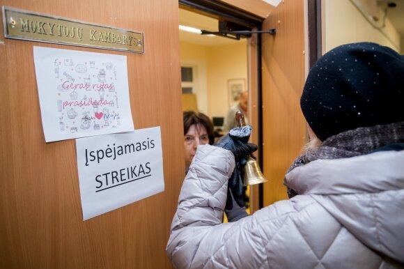 Pernai streikavę mokytojai apsisprendė: vėl streikuos, bet tik su viena sąlyga