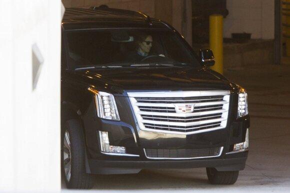 Automobilis, kuriuo G. Paltrow išvyko iš teismo