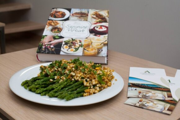 """R. Ničajienės """"Sezoninės virtuvės"""" receptai: belgiškai ruošti smidrai"""